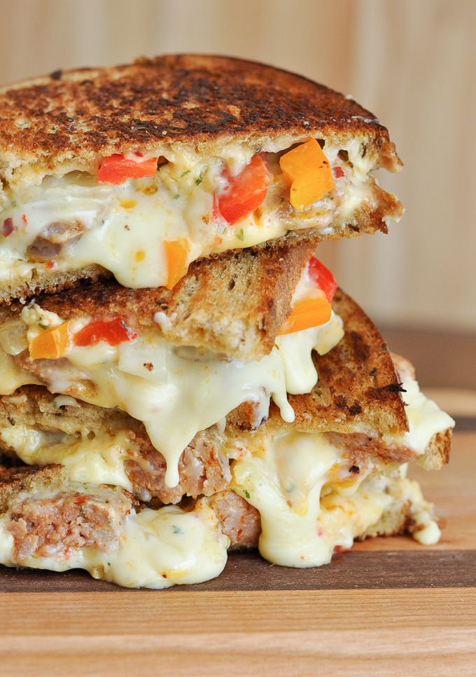 Sausage and Pepper Chipotle Grilled Cheese: all the flavor of sausage and peppers packed into the cheesiest, meltiest grilled cheese ever! It's the best!