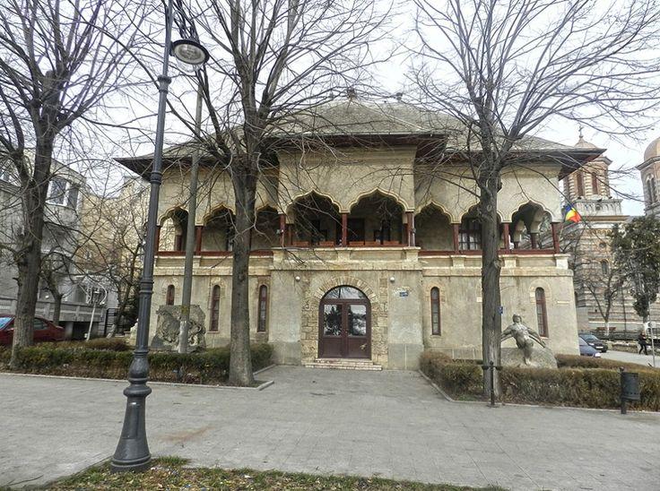 """Casa Pariano, azi Muzeul de sculptură """"Ion Jalea"""" (1913-1922), Constanța, arh. Victor Ştefănescu, stil neoromânesc"""