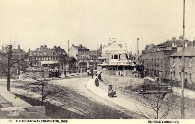 The Broadway, Edmonton 1910 looking towards the Green.