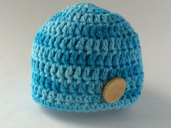 size 0-3 month Shades of blue beanie with by hunnibeecrafts