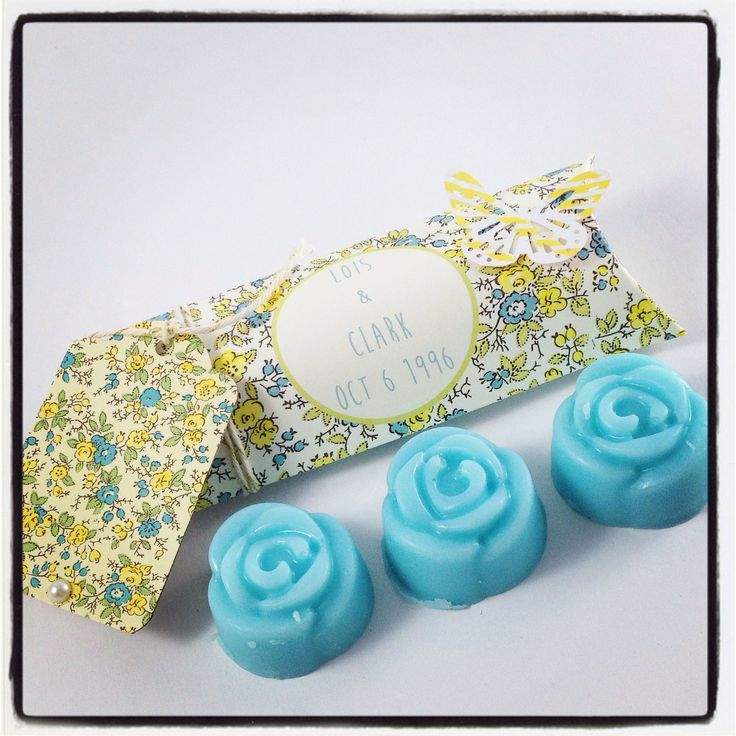 Did you know we make custom wedding favours? Check out the ones we made for Clark Kent and Lois Lane ! #weddingfavours #bridal #wedding #weddingideas #soapfavours #soap #rosesoap #vegan #vegansoap