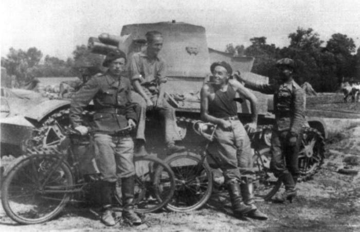 Vickers Mark E ze składu 121.Kompanii Czołgów Lekkich przydzielonej do 10.Brygady Kawalerii. Sierpień 1939 roku.