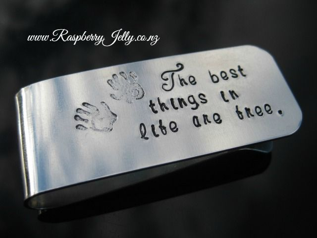 For the classic man, the one that knows what the feel of a crisp note feels like in their hands. A money clip reminds us what real gentlemen are like