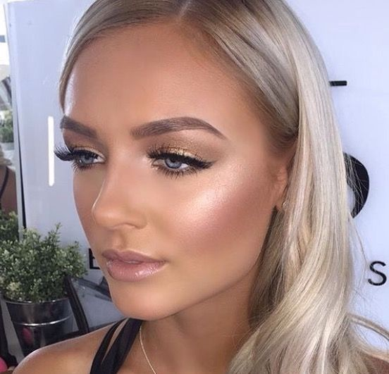 Soft and glowy makeup look