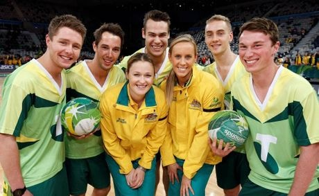 Sunshine Coast netballers have the opportunity to win a super skills training session with one of the Australian Netball Diamonds, the Telstra Netboys and Australian Netball legend, Liz Ellis