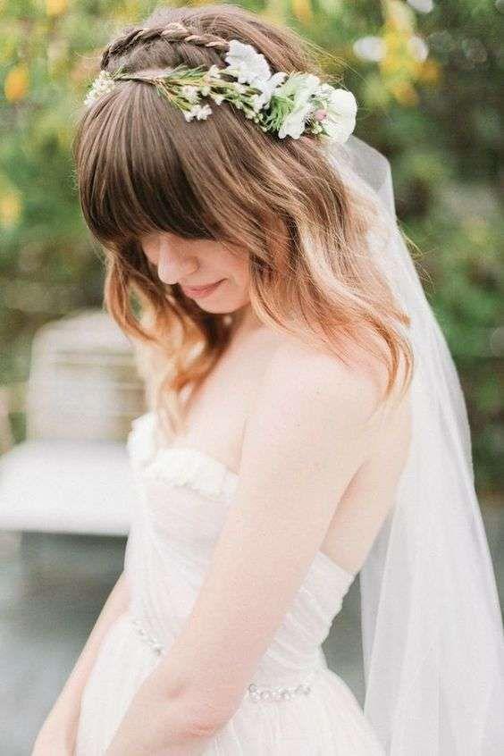 Idee per acconciature da sposa con la frangia - Acconciatura sciolta con frangia