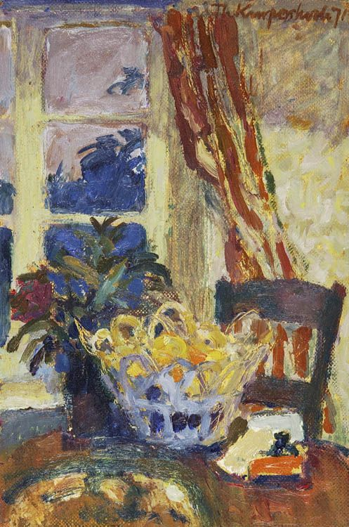 Theo Kurpershoek (1914-1998) Stilleven bij lamplicht olieverf op doek, marouflé, 17 x 12cm, gesign. r.b., gedat. '71