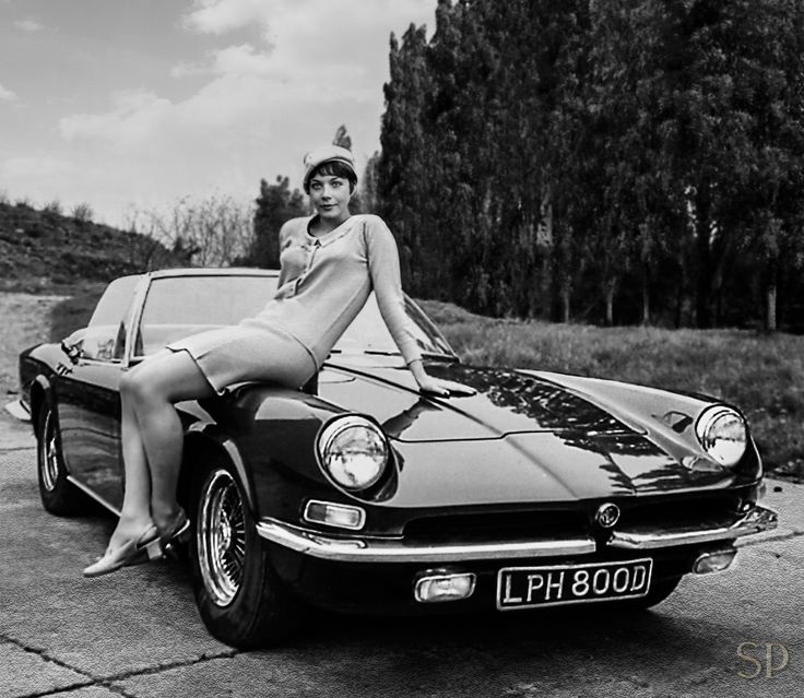 Linda Thorson with AC 428 Spider The Avengers tv show
