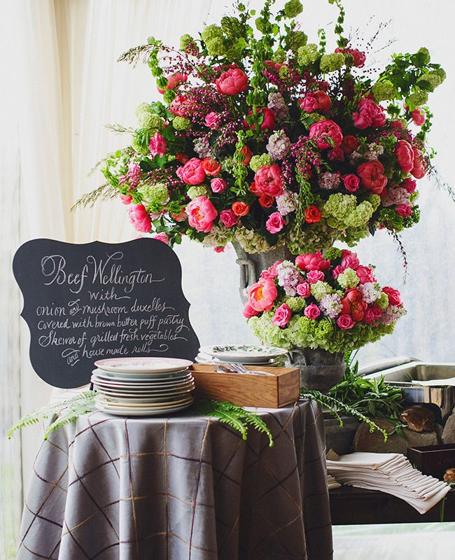 Does it get any more gorgeous than this floral display? Photos by Jasmine Star Photography/ Featured: The Knot blog