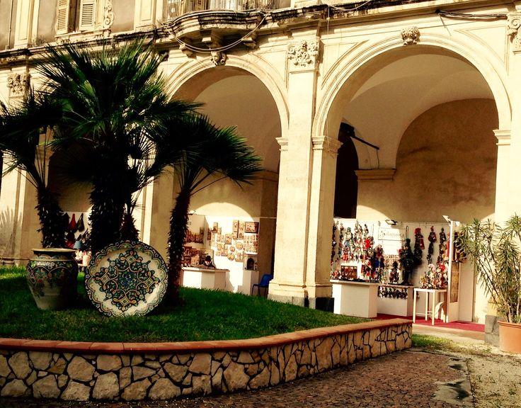 I miei pupi siciliani a Catania, Sicilia al Palazzo Minoriti per Natale - My Sicilian puppets at the Christmas market in Palazzo Minoriti in Catania, Sicily