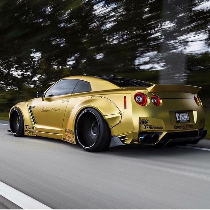best 25 skyline gtr r35 ideas on pinterest skyline r35 nissan skyline r35 and nissan gtr skyline. Black Bedroom Furniture Sets. Home Design Ideas