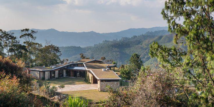 Foto principal Casa Gozu, diseñada por OPUS