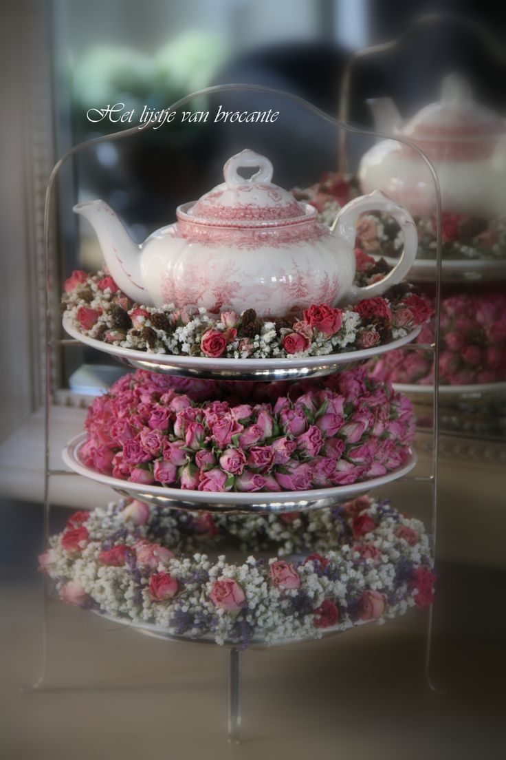 Teapot and Wreaths on Tiered Stand