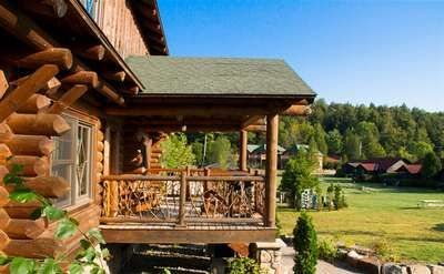 Pet Friendly Lodging in the Adirondacks - includes dog cat and other pet friendly hotels campgrounds, cottages and cabins from Lake Placid to Old Forge and Saranac Lake