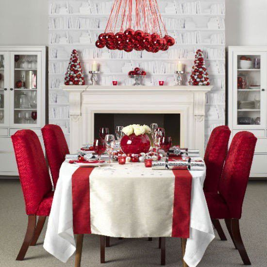 "60"" x 108"" Oval Tablecloth Havana Collection.  small get-togethers during Christmas are perfect for this setting"