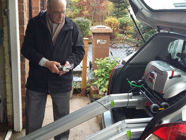 Mr Baker uses the two button load & unload of the Flyte mobility scooter test it in your car and book a demo here http://contact.quingoscooters.com/social-mobility-scooters