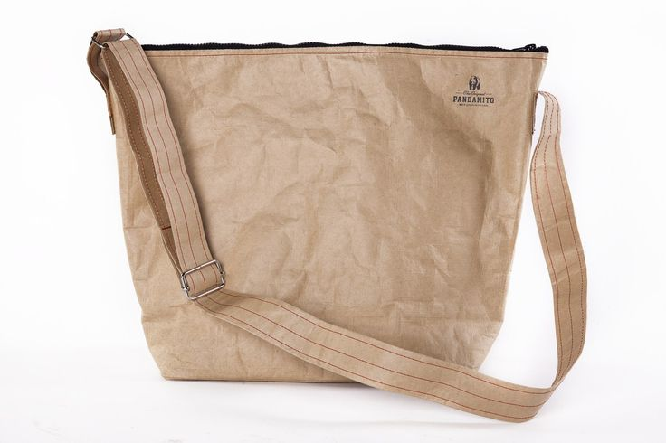 The bag is made of a double layer of durable and waterproof woven paper, so that has a lifting capacity of up to 25 kg. The bag itself is very light.  The bag has a long, adjustable arm, with strong metal buckles. The bag is roomy, it is suitable for an institution, to work, to the gym or recreational exit.  #pandamito