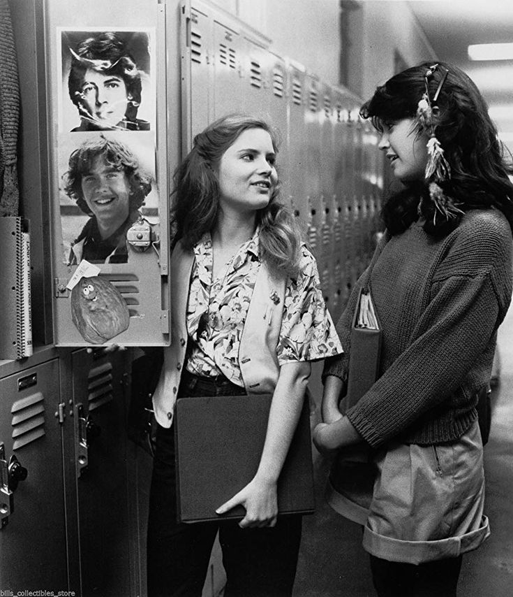 Download Fast Times At Ridgemont High (1982) YIFY Torrent
