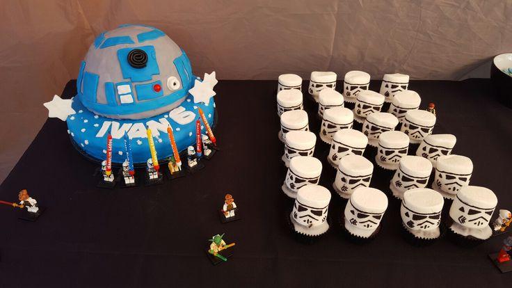 Star wars birthday party R2D2 cake