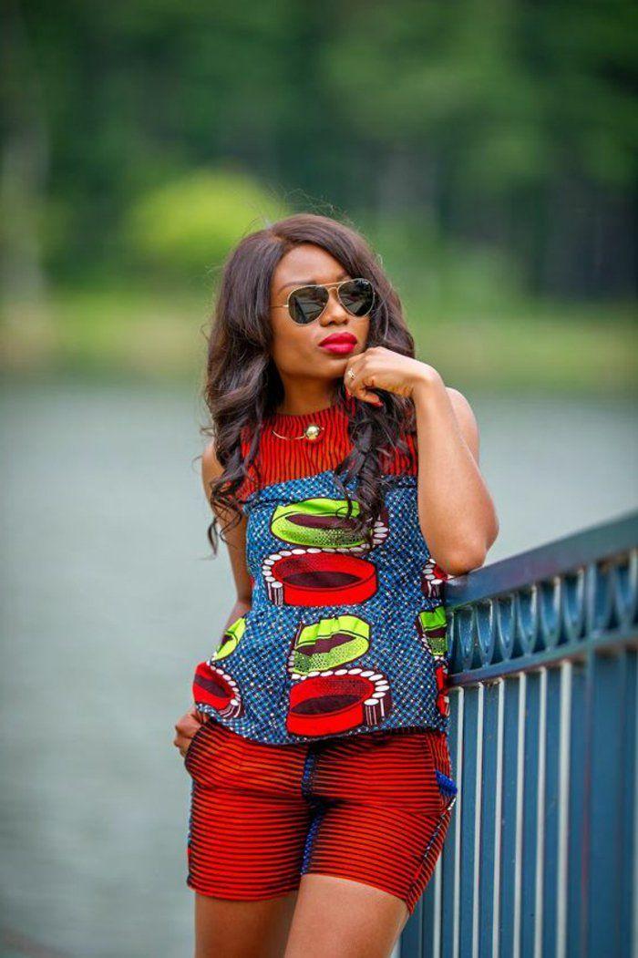 tenue-africaine-pantalon-court-et-blouse-couleur-denime-et-vermeille-lunettes-de-soleil