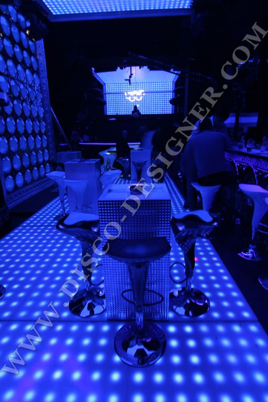 LED DANCE FLOOR RETRO-MODERN - 64 High Power Pixels per sq. meter #dancefloor #discodesigner http://disco-designer.com/Online-Store/led_dance_floors.en.cat.html#prod25