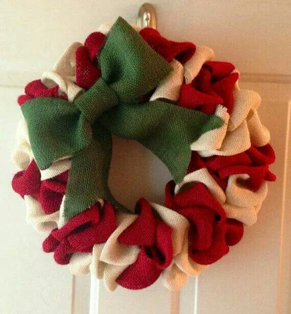 red, green, and tan burlap Christmas wreath