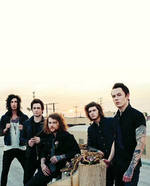 17 best images about bands on pinterest beau bokan oli sykes and mike fuentes. Black Bedroom Furniture Sets. Home Design Ideas