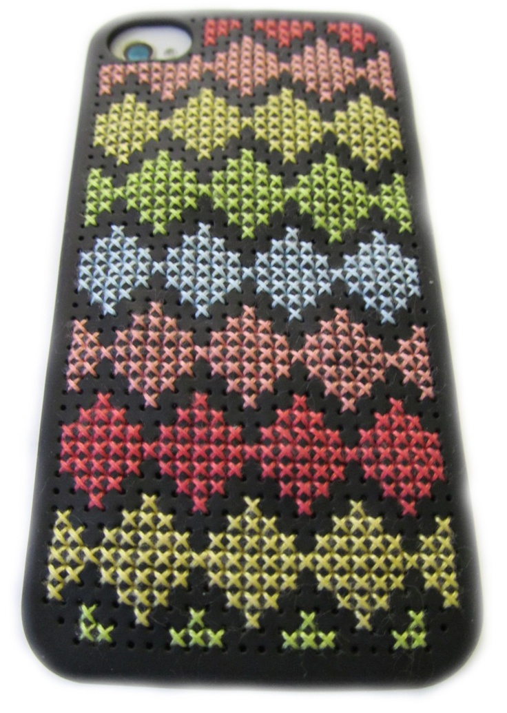 iPhone 4 / 4S case - cross stitch kit