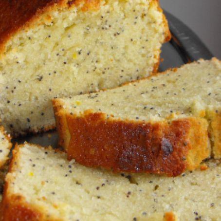 Plum cake al limone e semi di papavero