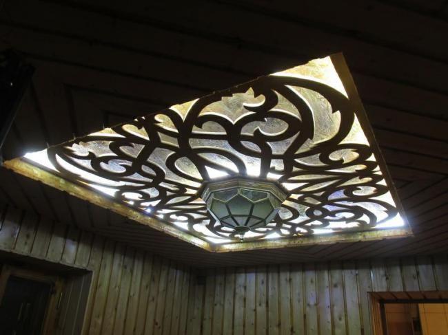Ажурный потолок из фанеры
