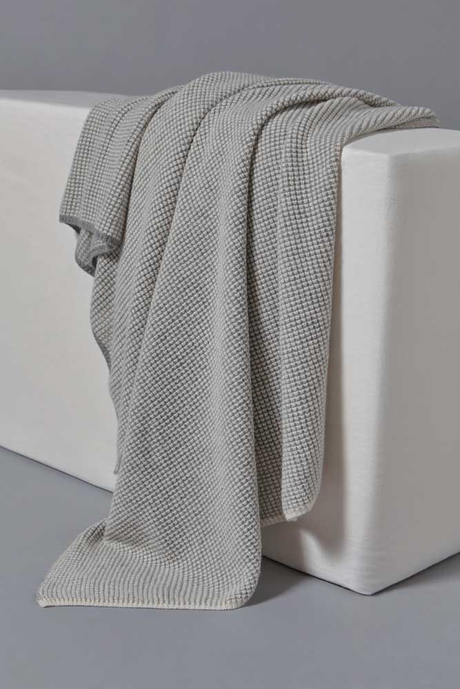 Tundra Cashmere Throw Ivory/Soft Grey