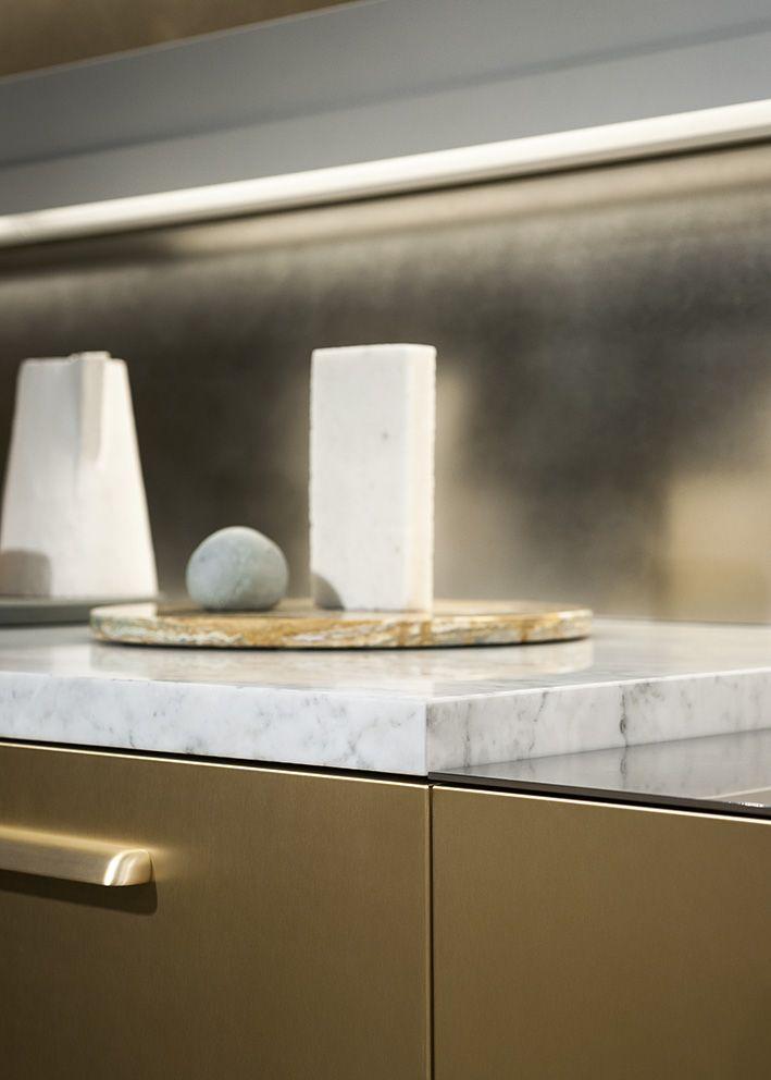 "Maxima 2.2 Steel Ottonato, brushed marble bianco Carrara and steel ""matt"" finish worktop, Shell champagne handle @ Cesar flagship store in #Milano - Photo © Andrea Ferrari"
