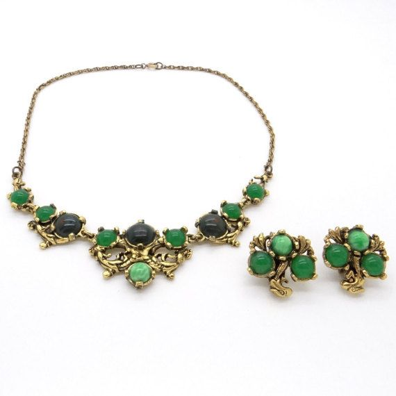 Miracle Signed Jewellery Set - Choker Necklace & Earrings - Faux Jade and Emerald in Golden Brass - 1970s Vintage - Brand Jewellery at  VintageArtAndCraft on Etsy