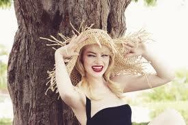 Emma, straw hat, red lips, beautyInspiration Emmastone, Famous, Stones Style, Emma Style, Straws Hats, Red Lips, Beautiful Stones, Beautiful People, Emma Stones