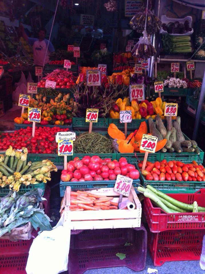 Mercatino di Antignano, Naples, Vomero Food Tour by eatinitalyfoodtours.com