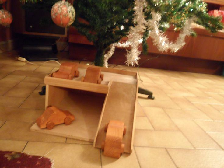 GARAGE EN BOIS pour les petites voitures en bois : Jeux, jouets par chantal95