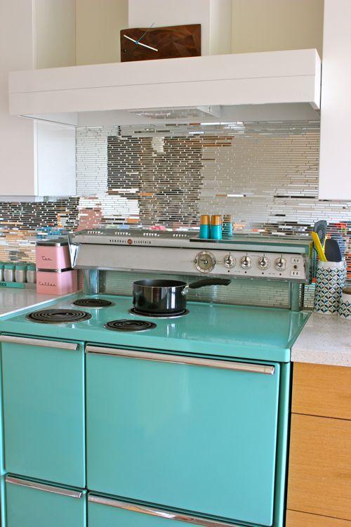 424 best images about vintage kitchen on pinterest 1920s for Modern retro kitchen appliance