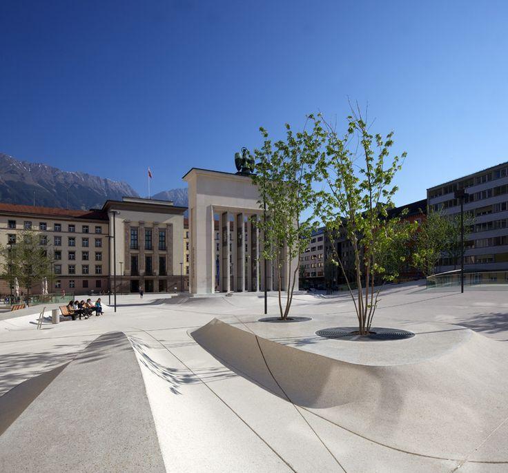 Eduard Wallnöfer Platz / Landhausplatz in Innsbruck