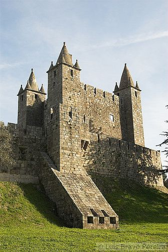 Castelo de Santa Maria da Feira, Aveiro, Portugal.