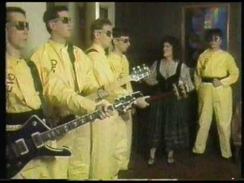 "H/T @Ken Freedman ""Fridays TV Show"" (1980) Devo ""Uncontrollable Urge"". ""We are shocked and saddened by Bob Casale's passing. He not only was integral in DEVO's sound, he worked over twenty years at Mutato, collaborating with me on sixty or seventy films and television shows, not to mention countless commercials and many video games. Bob was instrumental in creating the sound of projects as varied as Rugrats and Wes Anderson's films. He was a great friend. I will miss him greatly. "" -Mark…"