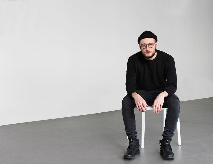 2017 - minimalist retrofuture - ANTI-RETRO 2 - Creative direction and photography: Manon Duding / /Eloise Falentin / Fanny Vialia - Bellecour école