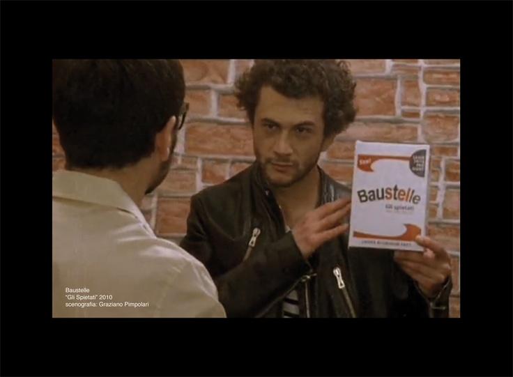 "video clip - Baustelle ""Gli spietati""  http://www.youtube.com/watch?v=9vMAjX-XdSY"