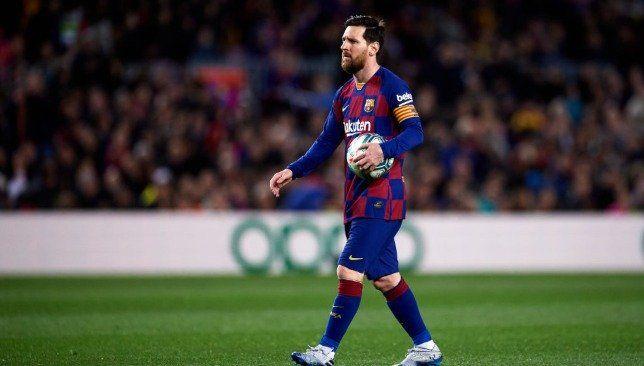 ميسي يوجه رسالة إلى جماهير برشلونة بشأن تفشي فيروس كورونا In 2020 Running Sports Style