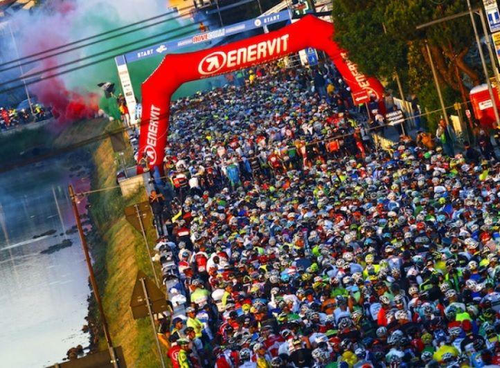 Parte la corsa al pettorale per la 46° edizione della #NoveColli il G.C. Fausto Coppi. Il comitato organizzatore della Regina delle #Granfondo, ha infatti reso noto le date di iscrizione per l'appuntamento del 2017, già fissato per domenica 21 maggio.  Ecco tutte le info utili.    #ciclismo #mondociclismo #novecolli #granfondo2017