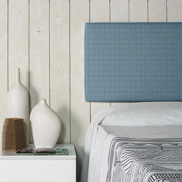 Detalle cabecero tapizado Esencial alto 50 tela Zip 45. Es un cabecero tapizado en una elegante y atractiva tela, disponible en varios colores.