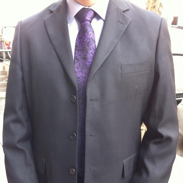 Social Media consulting day at Multinational Company - Camisa de Emidio Tucci, corbata de Pierre Cardin, traje negro de Giacomo Soprano