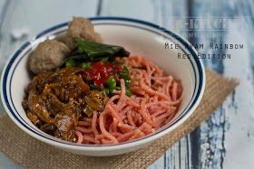 fla-kitchen: Rainbow Noodles, Red Edition in Mie Ayam Bakso