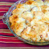 Layered Potato & Cheese CasseroleChees Casseroles, Scallops Potatoes, Cheesy Potatoes, Casseroles Recipe, Cheese Casseroles, Cheesey Potatoes, Layered Potatoes, Casserole Recipes, Potatoes Casseroles