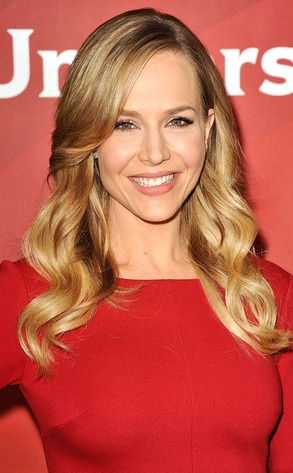 Julie Benz's 3 Rules for Maintaining Healthy Hair. She tweeted that the oil she uses overnight is CHI Organics Silk & Olive