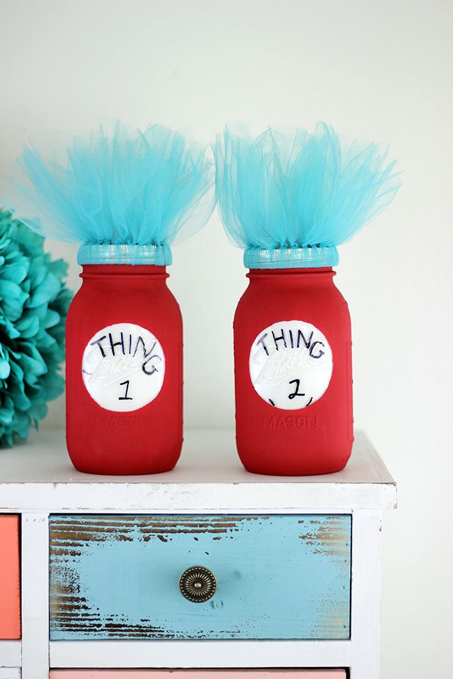 Dr. Suess fan? Add a pop of fun to a room or party with these DIY Thing 1 and Thing 2 Mason Jars. So adorbs!
